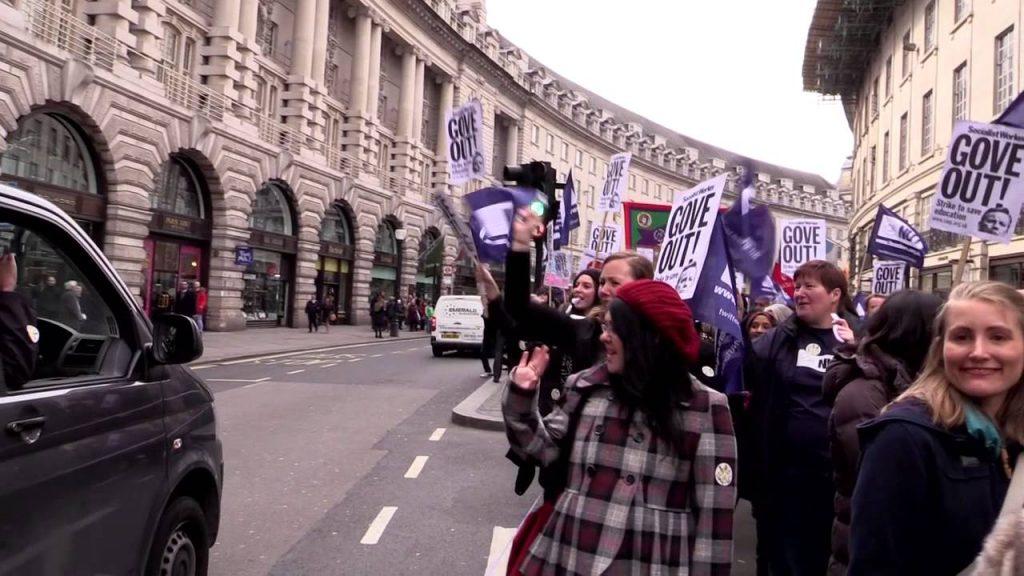 image of the 2014 teachers' strike