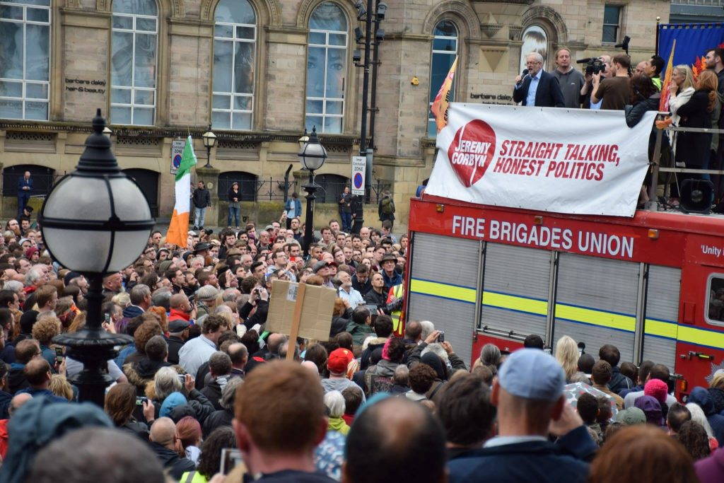 Jeremy Corbyn addresses Liverpool rally (Photo: Alan Gibbons)